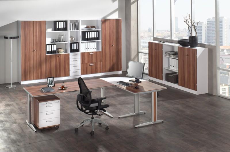 Eckschreibtisch büro  Jedes Büro braucht einen Eckschreibtisch
